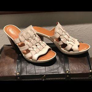 Born Off White Leather Sandals EUC